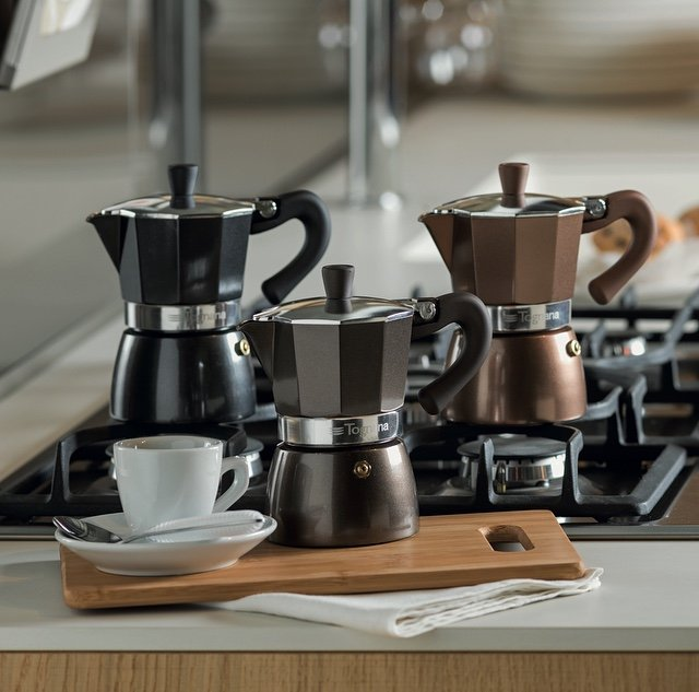 Percolating coffee pots